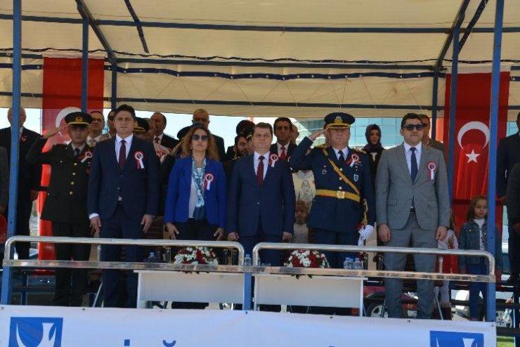 İzmir'in ilçelerinde cumhuriyetin 95. yıl gururu