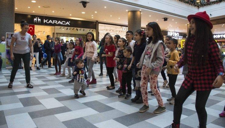 Adana'da 29 Ekim coşkusu Optimum'da yaşandı