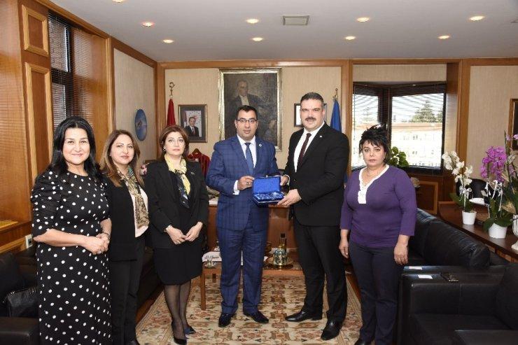 Azerbaycan Parlamentosu Milletvekili Cebrailova'dan Rektör Prof. Dr. Çomaklı'ya ziyaret
