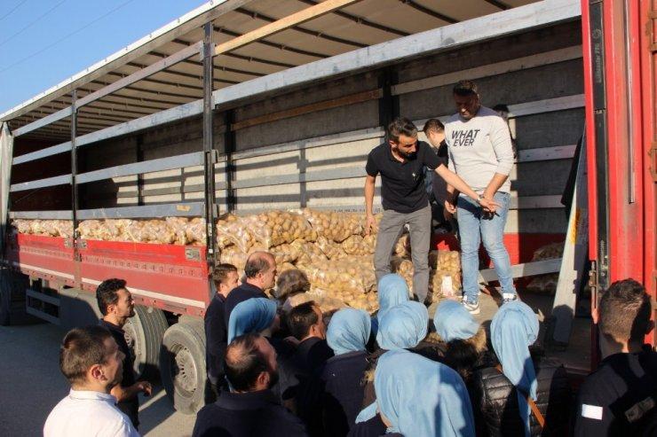 50 kuruşa satılan 120 ton patates dakikalar içinde tükendi