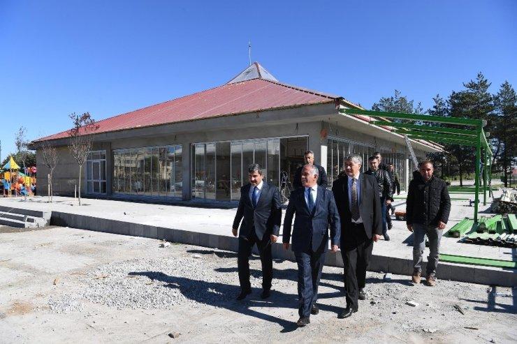 Başkan Asya, İl Başkanı Yaktı'ya Göletli Parkı tanıttı