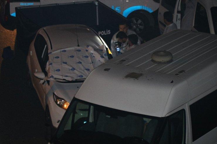 Şirinevler'de otomobile silahlı saldırı: 1 ölü