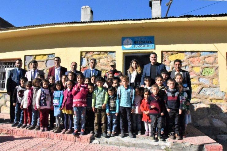 Kaymakam Öztürk'ten mahalle ziyareti