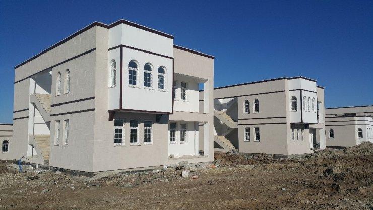 Samsat'ta depremzede konutları hızla yükseliyor