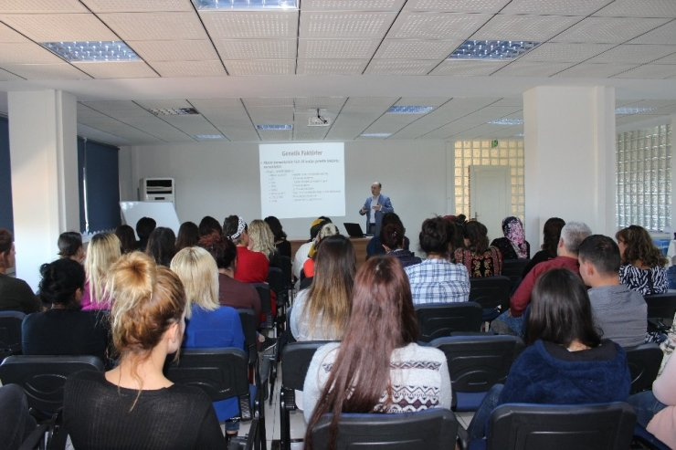 Antalya'da meme kanserine karşı farkındalık semineri