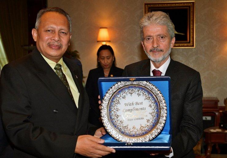 Asyalı büyükelçilerden Başkan Tuna'ya ziyaret