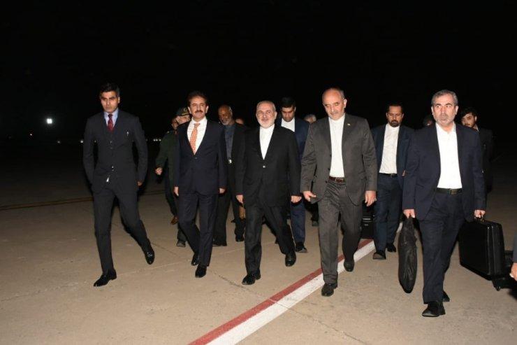 İran Dışişleri Bakanı Zarif, rehineler için Pakistan'da