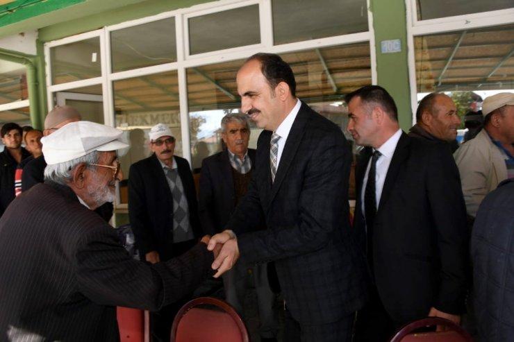 Başkan Altay, Ahırlı ve Yalıhüyük'te vatandaşlarla buluştu