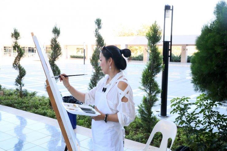 11 ülkeden 29 ressam Mersin'de buluştu