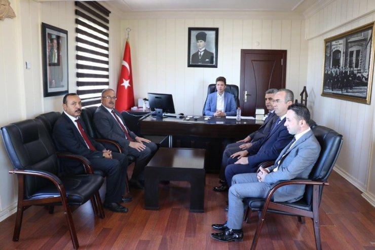 Milli Eğitim Müdürü Alagöz Tut'da okul müdürleriyle bir araya geldi