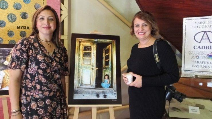 Fotoğraf sergisi Ara Güler'in sevdiği türkü ile açıldı