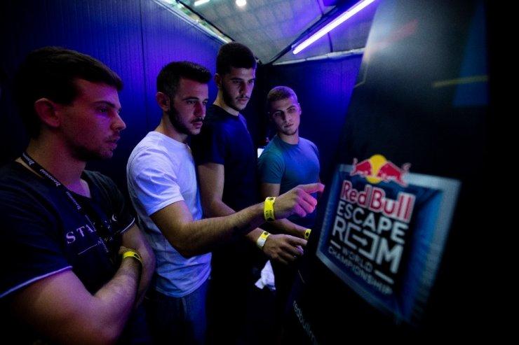 Red Bull Escape Room'da heyecan devam ediyor