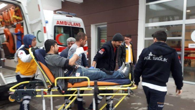Kolunu iş makinesine kaptıran işçi yaralandı