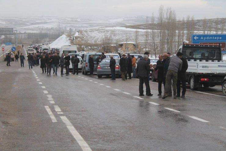 AK Parti Bayburt'un adayı coşkuyla karşılandı
