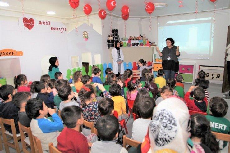 Başiskele'deki çocuklara hijyen eğitimi