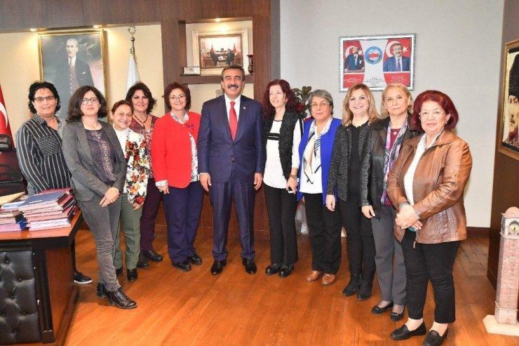 """Başkan Çetin: """"Kadın dostu belediyeyiz"""""""