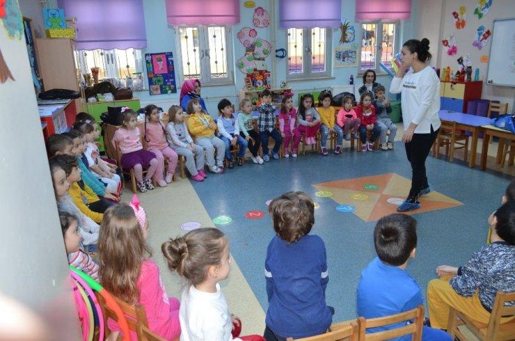 İzmit'te çocuklara istismar bilgisi veriliyor