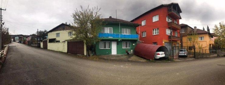 Öğlebeli Mahallesinde evler farklı renklere boyanıyor