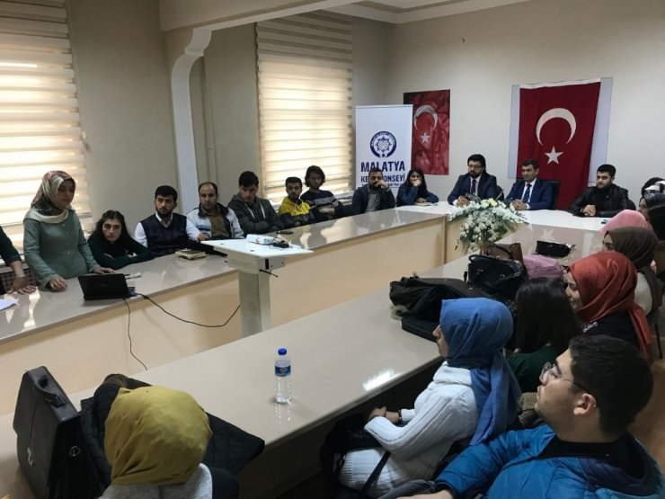 Turgut Özal Üniversitesi Öğrencileri, Kent Konseyi'ni anlattı
