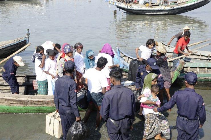 Myanmar 93 Rohingyalıyı Malezya'ya kaçıran bota el koydu