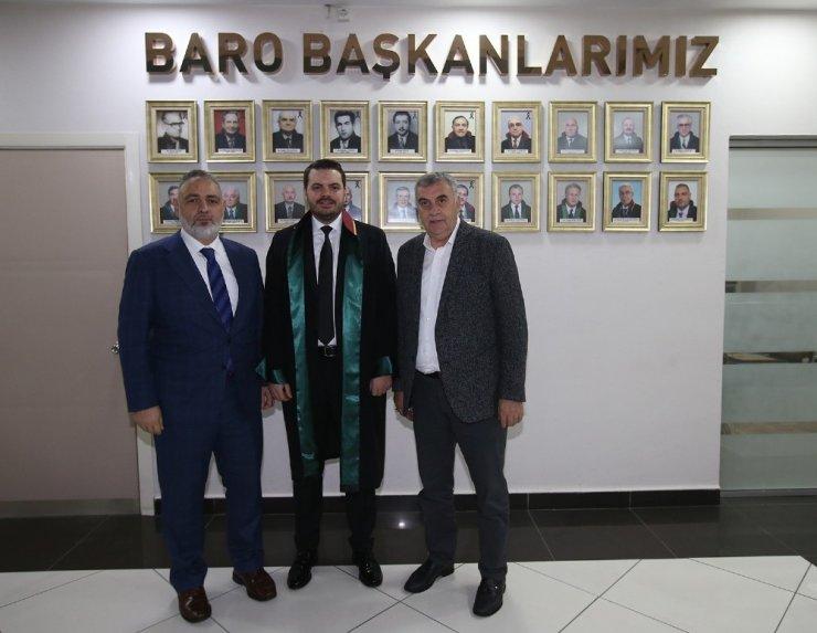 Başkan Toçoğlu, oğlunun avukatlık yemin törenine katıldı