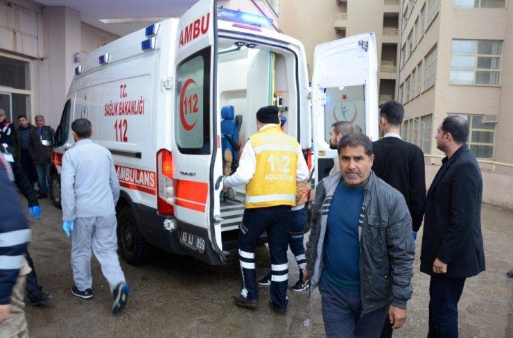 Belediye işçilerini taşıyan kamyonet takla attı: 6 yaralı