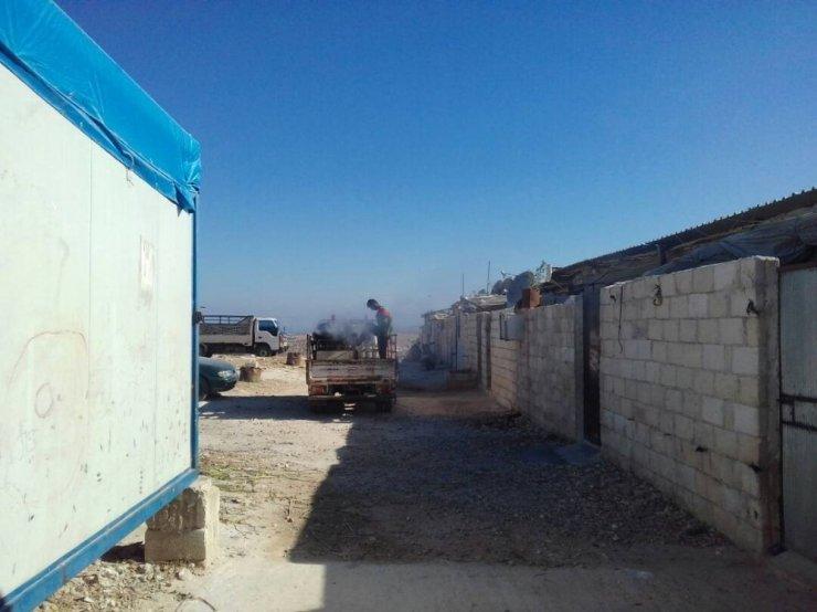 Suriye'deki kamplar ilaçlandı