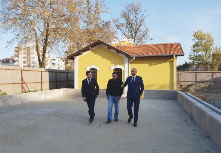 Tarihi gar binalarının restorasyonu tamamlandı
