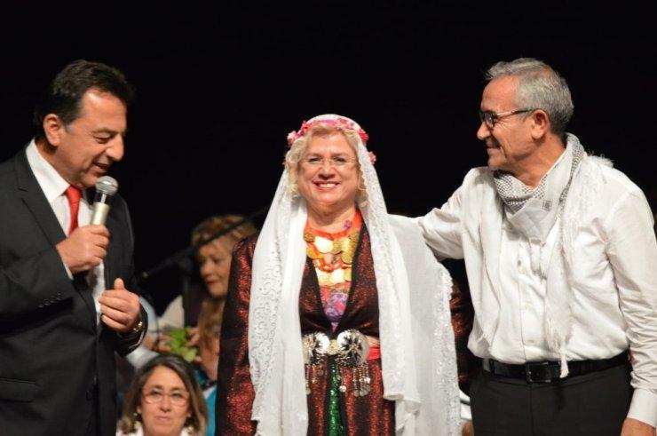 Nilüfer Kadın Korosu'ndan 'Şiddete karşı farkındalık' konseri