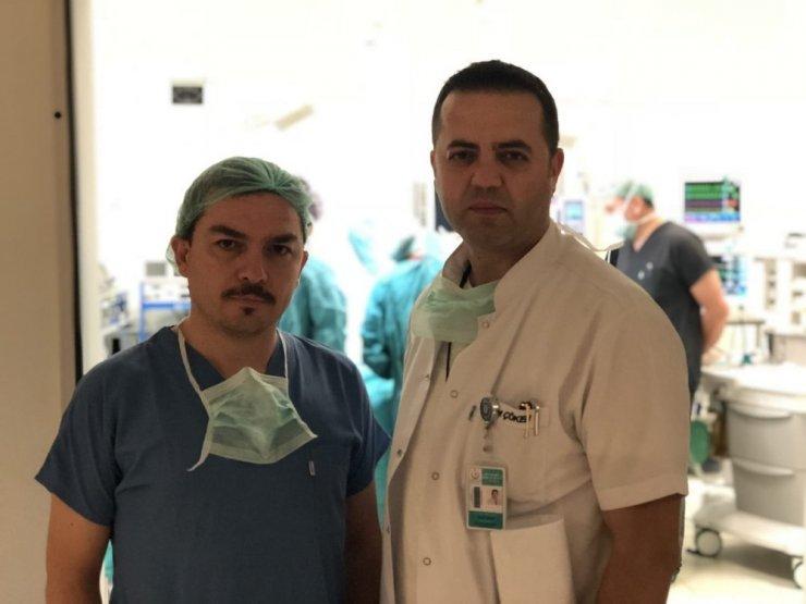 Beyin ölümü gerçekleşen hastanın organları 3 kişiye hayat verecek