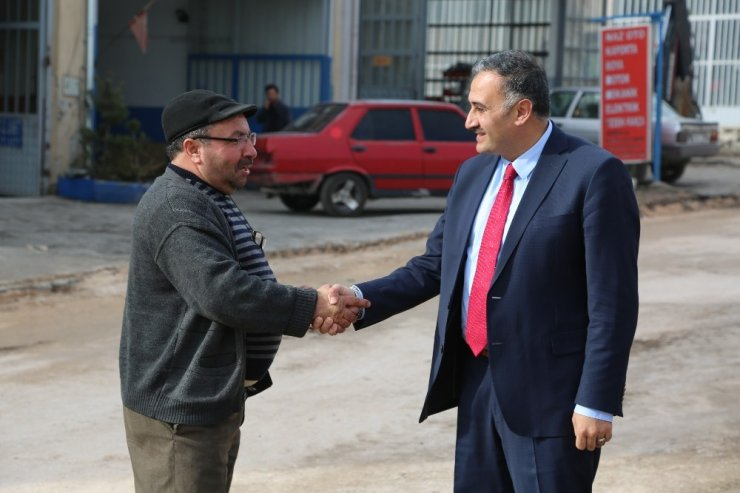 Başkan Cabbar Sanayi Caddesindeki Sıcak Asfalt Çalışmalarını Denetledi