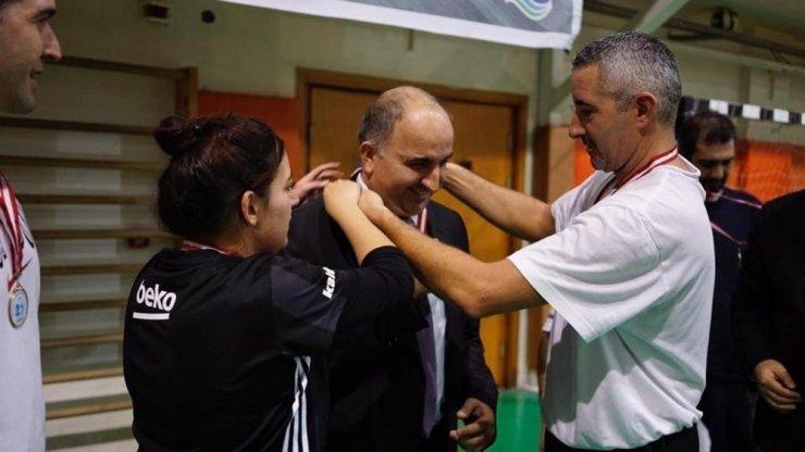 Kıran kırana geçen turnuvada şampiyon öğretmenler belli oldu