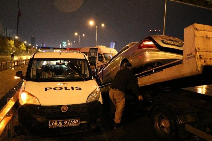 Kaza yerine gelen polis aracına minibüs çarptı: 1 yaralı