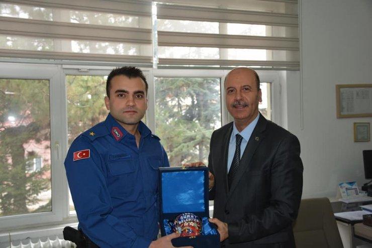 Başkan Bozkurt'tan İlçe Jandarma Komutanı Yassıkaya'ya hayırlı olsun ziyareti