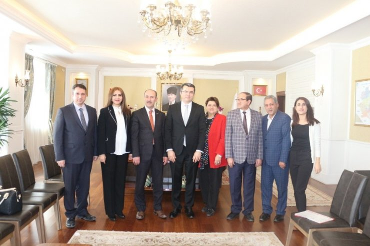 İPEKYOLUSİFED yönetimi Erzurum Valisi Memiş ile görüştü