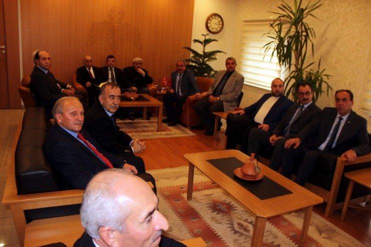 Başkan Alan ve beraberindekiler Vali Günaydın'ı ziyaret etti