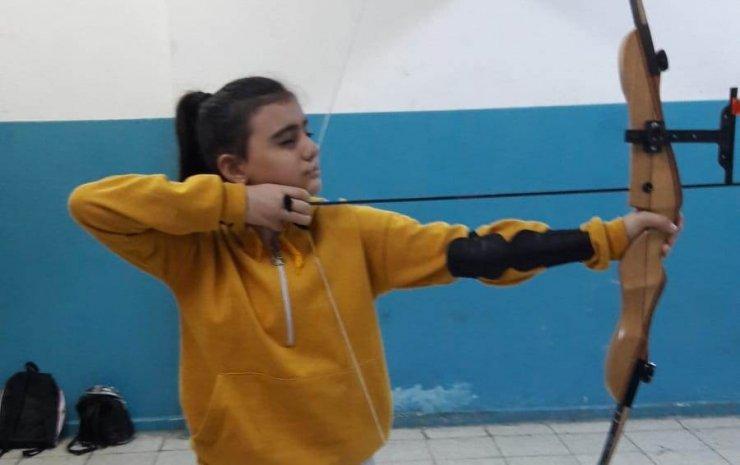 Şehitler Ortaokulu okçulukla tanışıyor