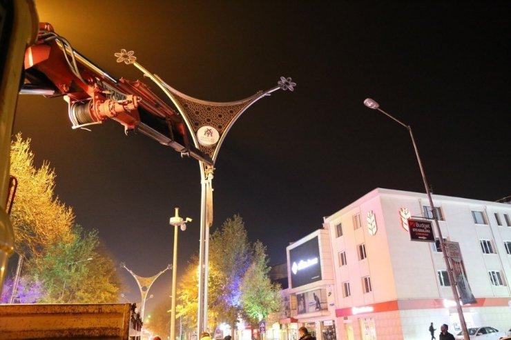 Ordu Caddesinde aydınlatma çalışmaları başladı