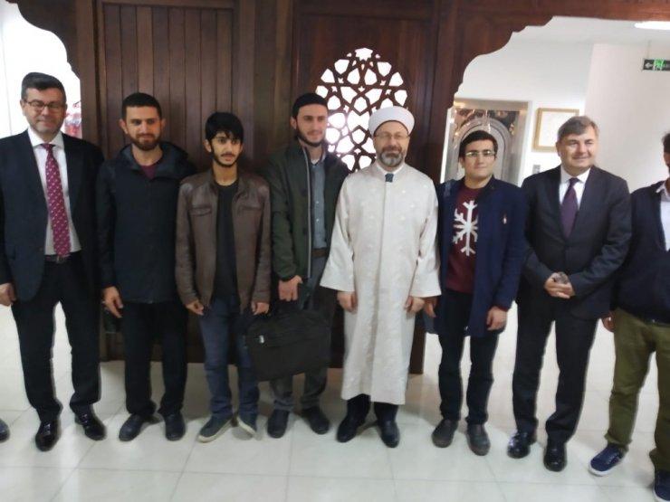 """Diyanet İşleri Başkanı Erbaş: """"Gençleri doğru bilgiyle donatmazsak terör örgütlerine bile üye olabiliyorlar"""""""