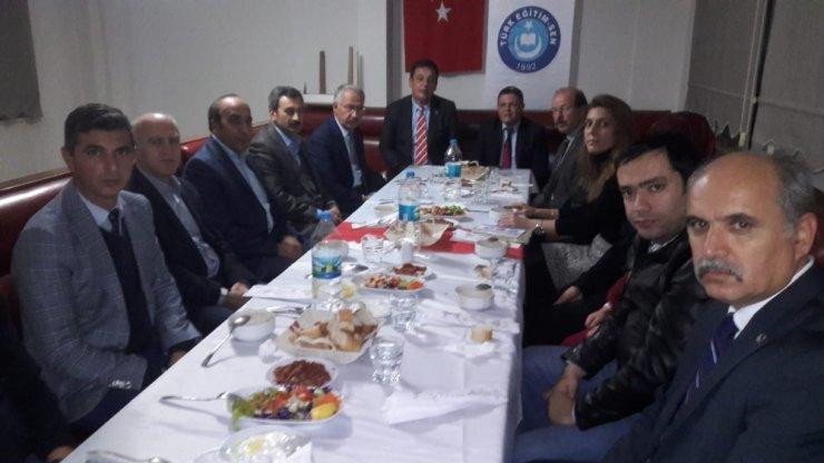 Saruhanlı'da öğretmenler yemekte buluştu