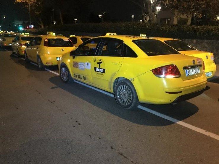 Silahlı saldırıya uğrayan taksi sürücüsü hayatını kaybetti