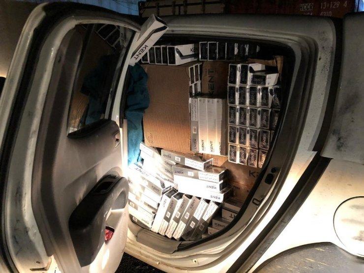 Van'da 20 bin paket kaçak sigara ele geçirildi
