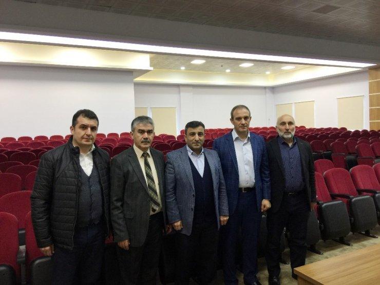 AK Parti Ortahisar İlçe Başkanı Temel Altunbaş'tan imam hatip lisesine ziyaret