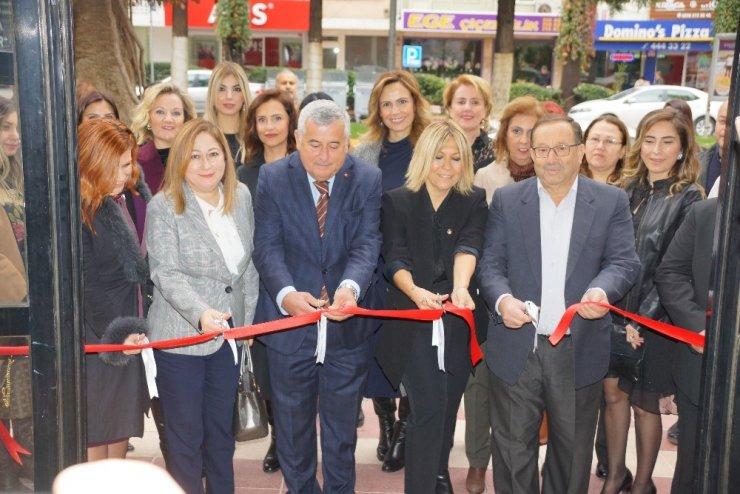 Aydın'da 'El Ele Elden Ele' çarşısı açıldı