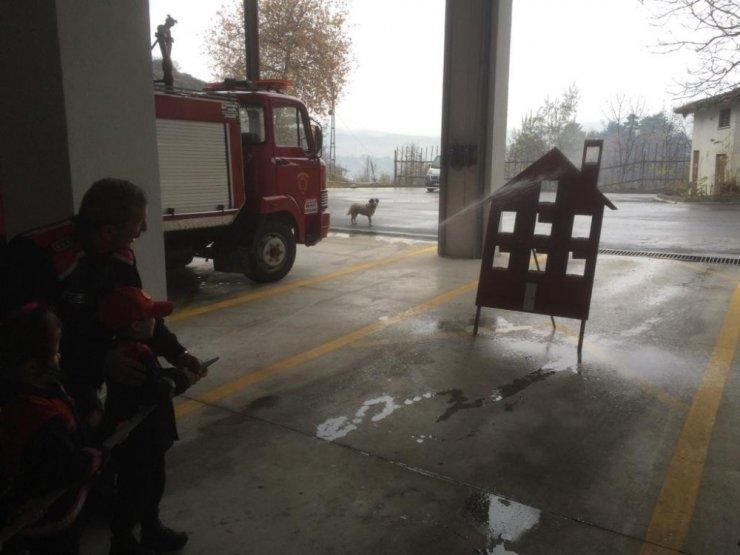 Safranbolu itfaiyesinden Anaokulu öğrencilerine yangın tatbikatı