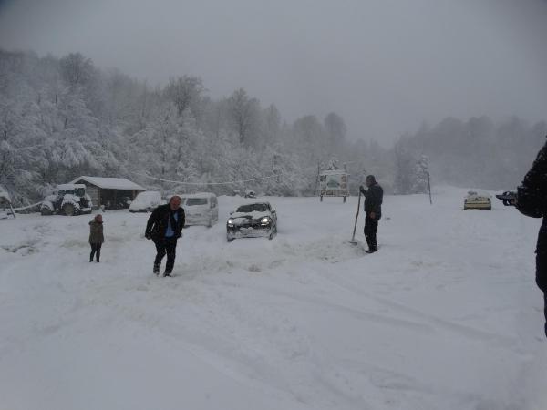 Kar yağışı Eskişehir, Bilecik ve Kütahya'da etkili oldu