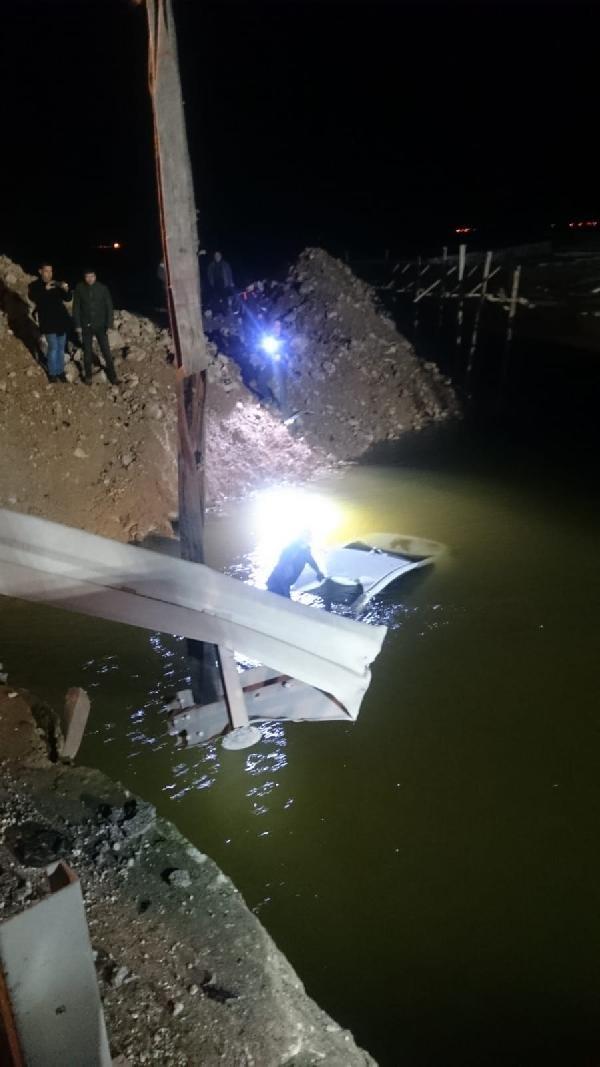 Sulama kanalına uçan otomobilin sürücüsü öldü