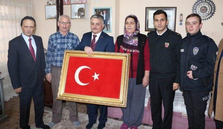 Vali Yazıcı şehit ailelerini ziyaret etti