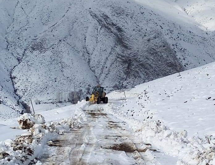 Bingöl'de kar 58 köy yolunu ulaşıma kapattı