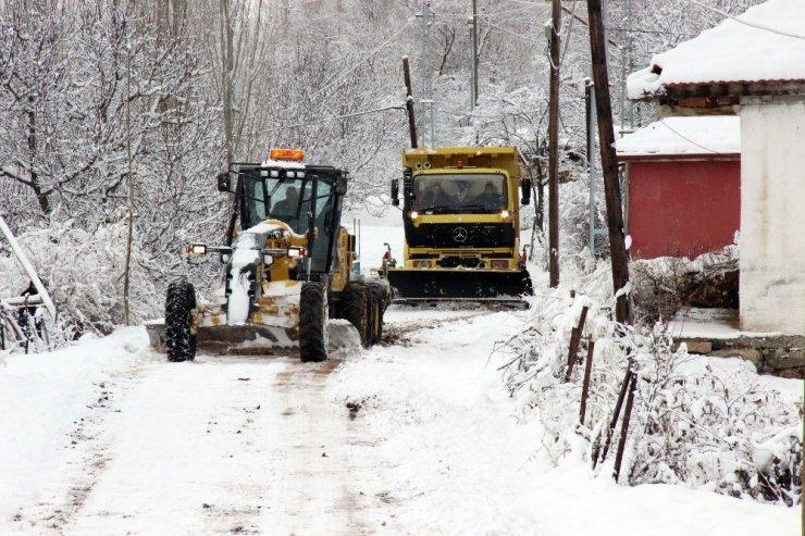Yozgat'ta 339 köy yolları ulaşıma kapandı